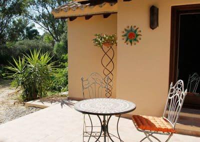 2-idyllische-Terrasse