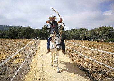 Bogenschiessen-vom-Pferd